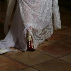Срочно продается очень красивое силуэтное платье